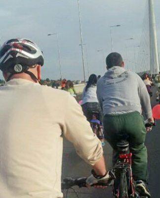 Biciklisti na Mostu na Adi