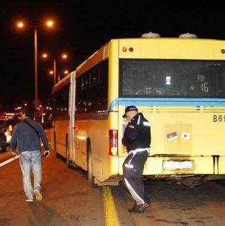 oteti autobus 105