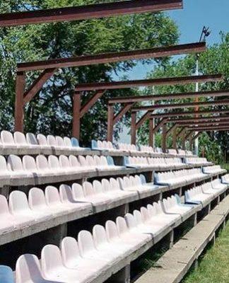 fudbalski teren-tribine