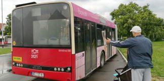 Autobus na pešačkoj stazi