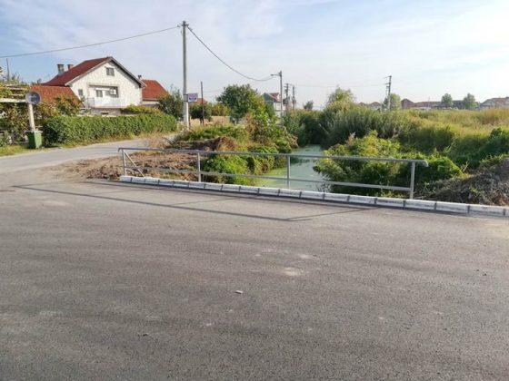 Mostić na kanalu