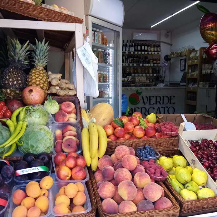 Voće i povrće - prodavnica Borča
